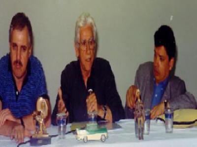 Palestra para os Colecionadores de filmes 16MM  Ary entre o radialista Geraldo Nunes (Rádio Eldorado) e o Escritor Antônio Leão