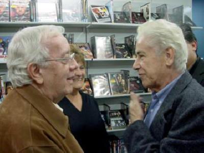 Noite de Autógrafos do Escritor Antônio Leão  Ary e seu amigo, o Cineasta Glauco Mirko Laureli